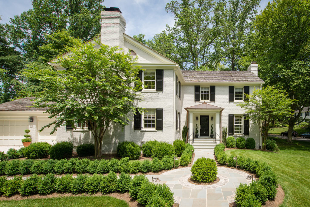 Potomac home curb appeal with landscaping